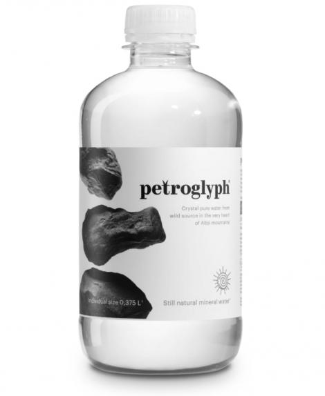 """Вода минеральная природная питьевая  столовая """"Petroglyph"""" Петроглиф 0,375л негазированная"""