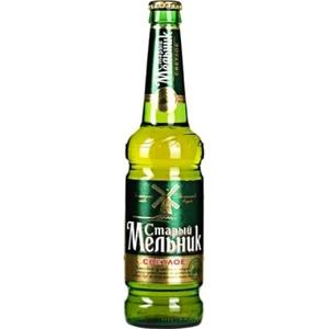 """Пиво """"Старый Мельник"""" Светлое 4,6% (бут. 0,45 л)"""