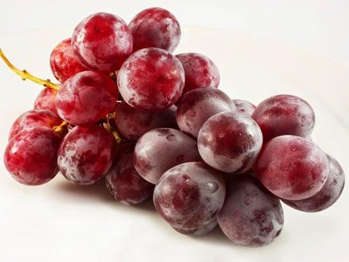 Виноград красный (крупный)вес.