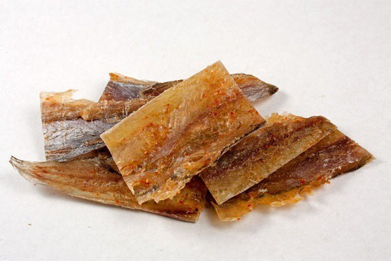 Рыбка янтарная с перцем солёно-сушеная